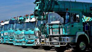 【ダンプとゼッケン!?】ダンプカー荷台の大きな数字(ナンバー)の真相とは!? ~ダンプトラックの表示番号はダンプ規制法に関係がある?~